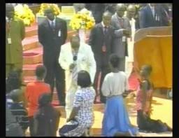 Pastor David Oyedepo And That Hot Slap – Another Shame On Nigerian Pentecostalism