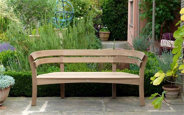 Selecting The Right Wood For Garden Furniture