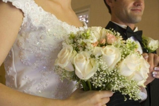 630x420-ehow-images-a06-b3-ag-wedding-engagement-party-etiquette-800x800