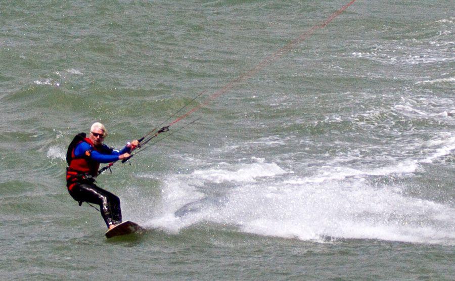 Experience The Joys Of Kite Surfing