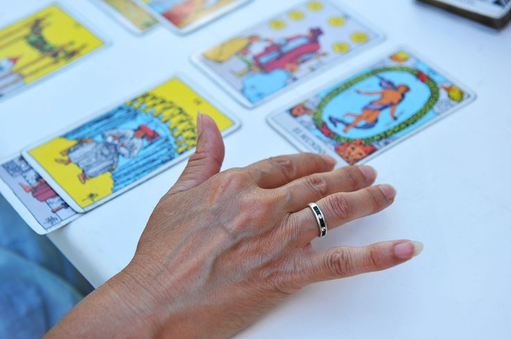 Can You Benefit From A Tarot Reading?