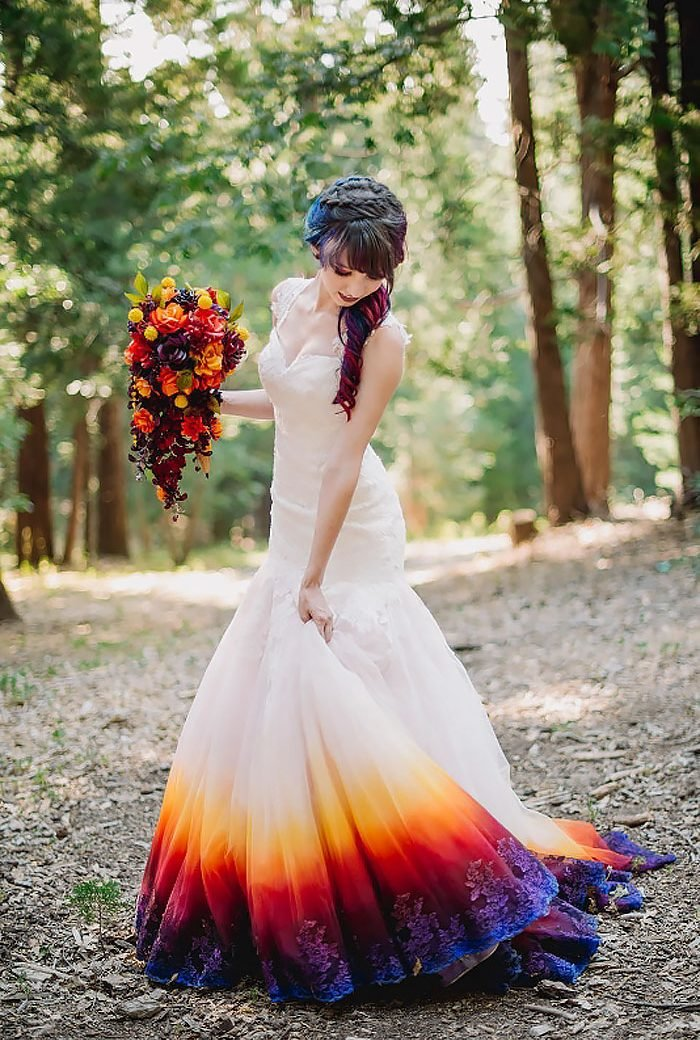 Gorgeous Dip-Dyed Wedding Dress That Will Make You Want To Add More Color To Your Big Day