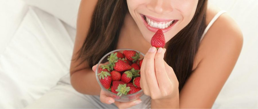 Achieve White Teeth by Eating These Foods