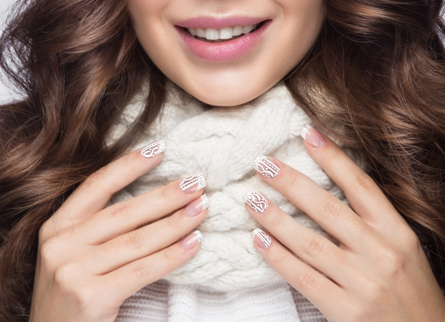 Stunning Gel Nail Designs For This Winter